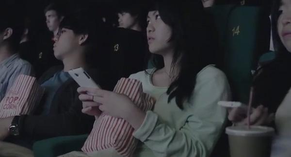 O que acontece quando usa o celular no momento errado