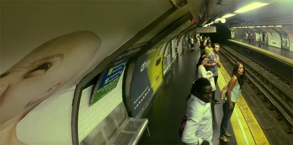 """Pegadinha criativa envolvendo """"metrô fantasma"""""""